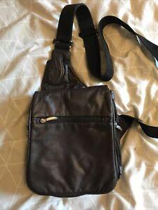 Travelon Leather cross body bag