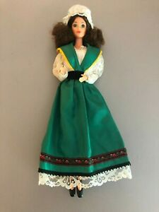 1983 IRISH  Barbie doll of the world DOTW  original Outfit 80's Steffie Face