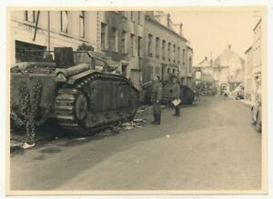 Foto - abgeschossener französischer ? Panzer - 2.WK