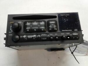 Audio Equipment Radio Am-fm-stereo-cd Player Opt UN0 Fits 96-05 ASTRO 1319655