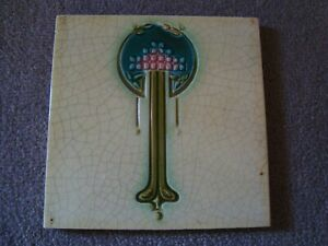Very Stylish Arts & Craft style tile 21/376A
