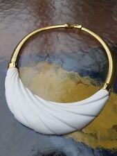 Marvelous Vintage Modernist Monet White Lucite & Gold Tone Metal Choker Necklace