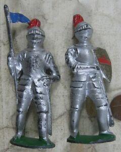 2 Vintage Lead Manoil Knights