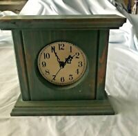 """Vintage Small Shelf Mantle Clock Green Stressed Wood w/Battery  8 3/8"""" x 7.75"""""""