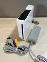 White Nintendo Wii Console RVL-001 w Power & AV Cable - GameCube Compatible