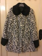 6db5e975053 TOPSHOP white and black faux fur snow leopard print knee length coat UK 10  NEW