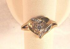 .30CT Diamond baguettes heart shape Vintage ring Yellow gold 2.2gr Size 7 Beauty
