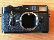 Leica M2 Black rangefinder