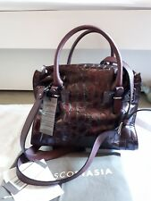 BNWT Francesco BiasiaMulberry or Burgundy Wine Leather Bag Style is 'Hampstead'