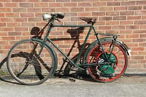 VINTAGE NEW HUDSON ROAD BIKE WITH A CYCLE MASTER ENGINE AND V5C REF CON