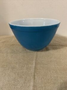 Vintage Pyrex Primary Colors 401 Blue Nesting Small Mixing Bowl USA 1.5 Pints
