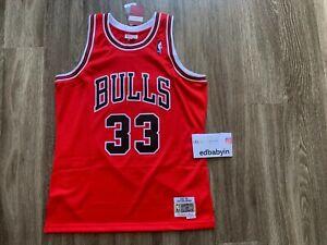 Men Scottie Pippen Mitchell Ness 1997-98 Chicago Bulls Jersey Swingman NBA Adult