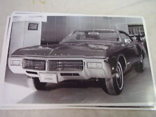 1969 BUICK RIVIERA IN SHOWROOM    11 X 17  PHOTO /  PICTURE