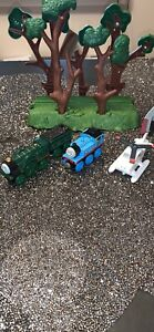 Thomas wooden train's set Of 3 With A Tender .
