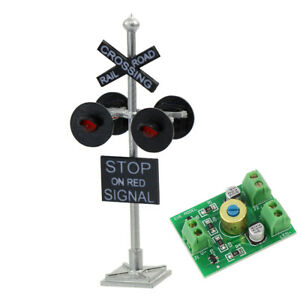1 lot HO Scale Railroad Crossing Signal 4 heads LEDS + Circuit board flasher