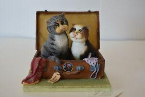 Comic & Curious Cats Linda Jane Smith A3085 Runaway Romance Feline Humor Statue