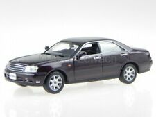 Nissan Gloria Ultima Z 2001 redbrown diecast model car 2005 J-Collection 1/43