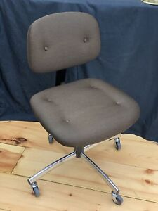 Immaculate Vintage Steelcase Rolling Office Desk Chair Brown Adjustable Swivel