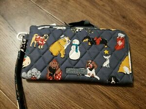 Vera Bradley Holiday Dogs Gray RFID Tech Wristlet Wallet 2021 Collection X62