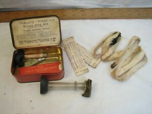 Vintage Tabloid First Aid Snake Bite Kit Tin Burroughs Wellcome Medical