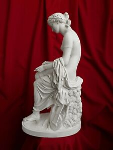 "Corinna Statue (53 cm / 20.8"")"