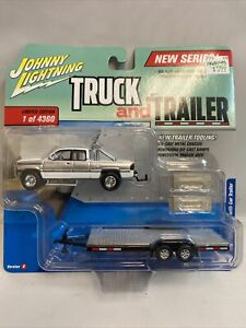 2004 Ford F-250 Truck w/Trailer Die Cast 1/64 by Johnny Lightning