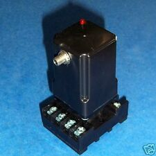 AW COMPANY LIGHT TO FREQUENCY CONVERTER OPTV-20 W/ BASE