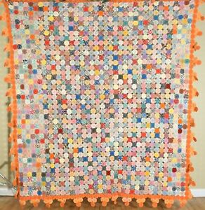 Large Cheery Vintage 30's Yo Yo Quilt, GREAT COLORS and NICE PYRAMID BORDER!