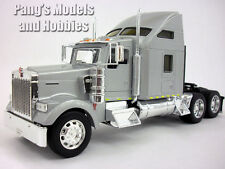 Kenworth W900 Silver Extended Cab Truck Diecast Metal 1/32 Scale Model