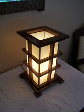 ARTS AND CRAFTS  MISSION STYLE  WARM GLOW ACCENT LAMP LEADED GLASS INSERT OAK