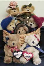 Lot Of 7 Original Retired Boyds Bears In New England Basket