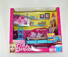Barbie Movies To Munchies Dlx Living Room Furniture Set Doll Couch TV T9080 NEW
