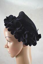 VINTAGE 1930s/40s blue velvet hat with felt flowers