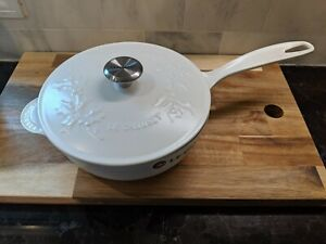 """Le Creuset Holly Branch Cotton 2.25qt Saucepan Saucier 21 cm 8.25 """" diameter NIB"""