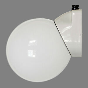 Große vintage Porzellansockel-Leuchte Wandlampe Milchglas Opalglas Kugel Loft