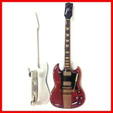 AC/DC - GUITARE MINIATURE BADGE/PIN'S ! ANGUS YOUNG Red SG Rock Metal Hard Heavy