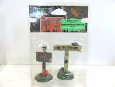 Lemax 2008 Spooky Town Collection Halloween Figures, SCARY SIGNS (SET OF 2) New