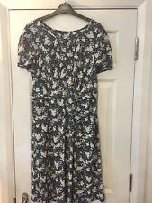 Marks & Spencer Size 22 Summer Dress! Navy And White Flowers Beautiful Design!