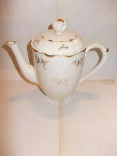 Antieke Boch koffiepot - cream kleurig met gouden bloemenprint