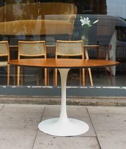 Large Vintage Arkana 1970s  tulip based, rosewood veneer round dining table