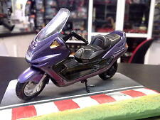 Yamaha Majesty DX 1:18 metallic paars