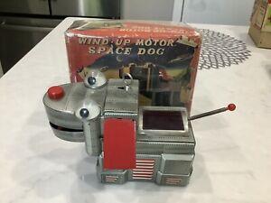 1950's WIND-UP SPACE DOG ROBOT TIN TOY YOSHIYA JAPAN IN RARE ORIGINAL BOX