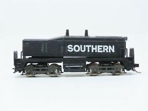 N Scale Rivarossi SOU Southern Calf Switcher Diesel Locomotive UNPOWERED