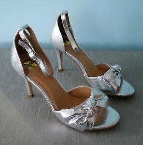 Buffalo Silver Bow Stiletto Heels- size 6.5 *RRP £55