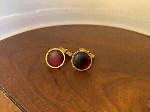 VINTAGE SWANK GLOWING RUBY RED CABOCHON LUCITE STONE CUFFLINKS