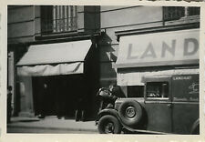 PHOTO ANCIENNE - VINTAGE SNAPSHOT - VOITURE PANNE DRÔLE FLEURISTE LANDRAT - CAR