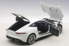 Coche de automodelismo y aeromodelismo blancos Coupe