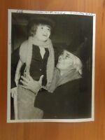 Vintage Glossy Press Photo Christmas Carol Gene Rayburn?