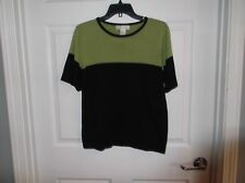 EUC dress barn womens M, short sleeve sweater, green and black in color