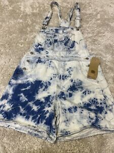 Levi's womens short pants denim size medium new with tags